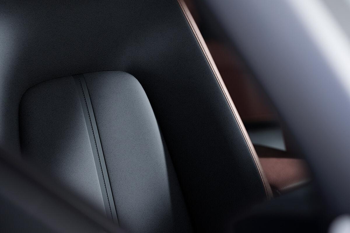 Mazda-MX-30_Interior-12.jpg