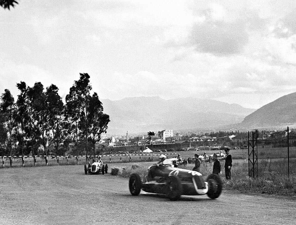 01_Palermo-23.5.1940-Targa-Florio-Maserati-4CL-Gigi-Villoresi.jpg