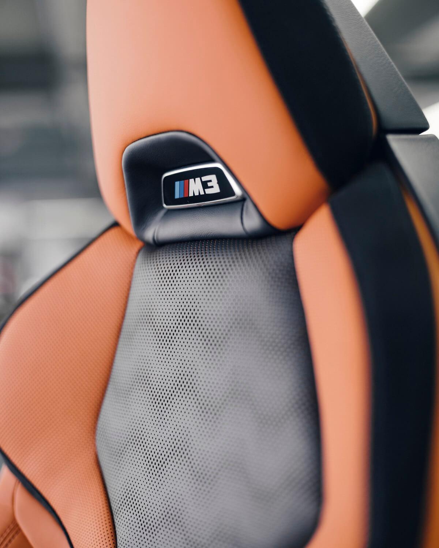 P90407151_highRes_carbon-bucket-seat-o.jpg