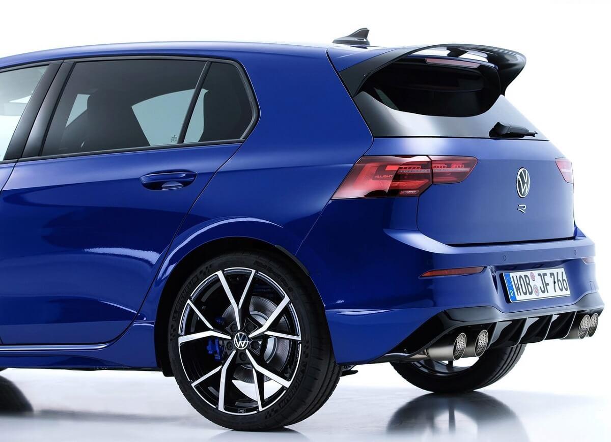 Volkswagen-Golf_R-2022-12.jpg