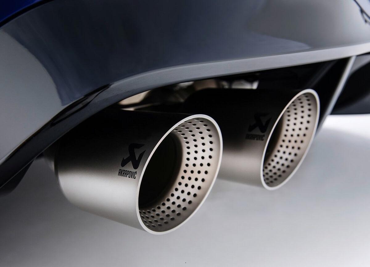 Volkswagen-Golf_R-2022-13.jpg