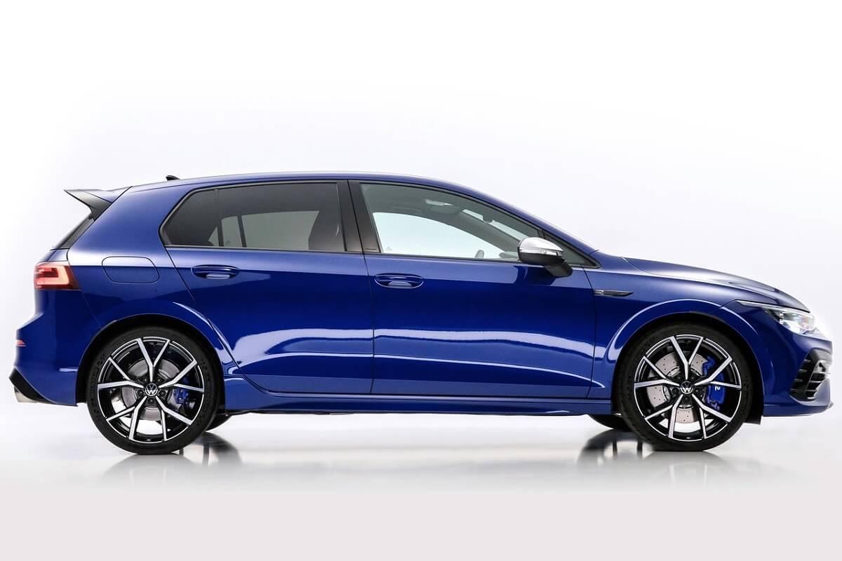 Volkswagen-Golf_R-2022-4.jpg