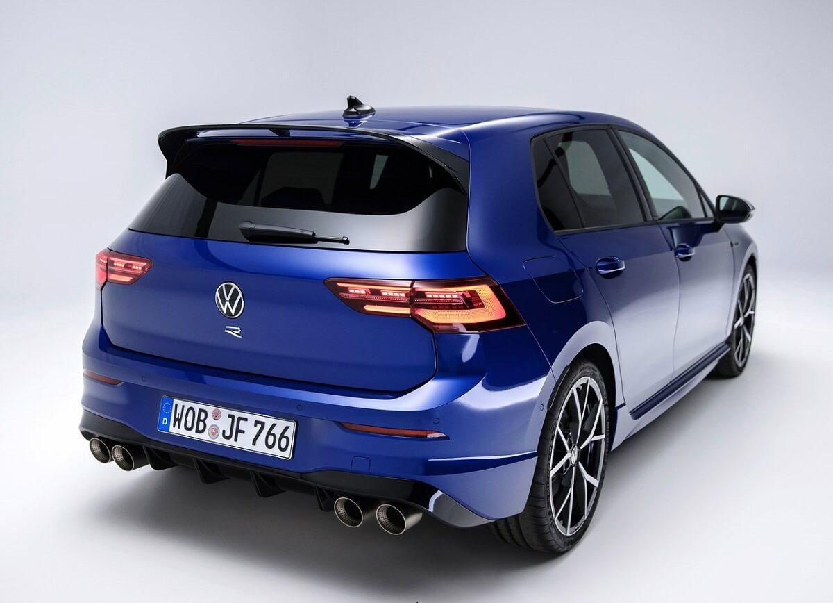 Volkswagen-Golf_R-2022-5.jpg
