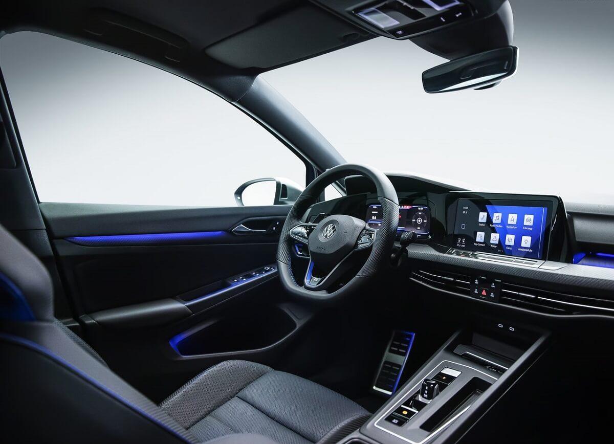 Volkswagen-Golf_R-2022-7.jpg