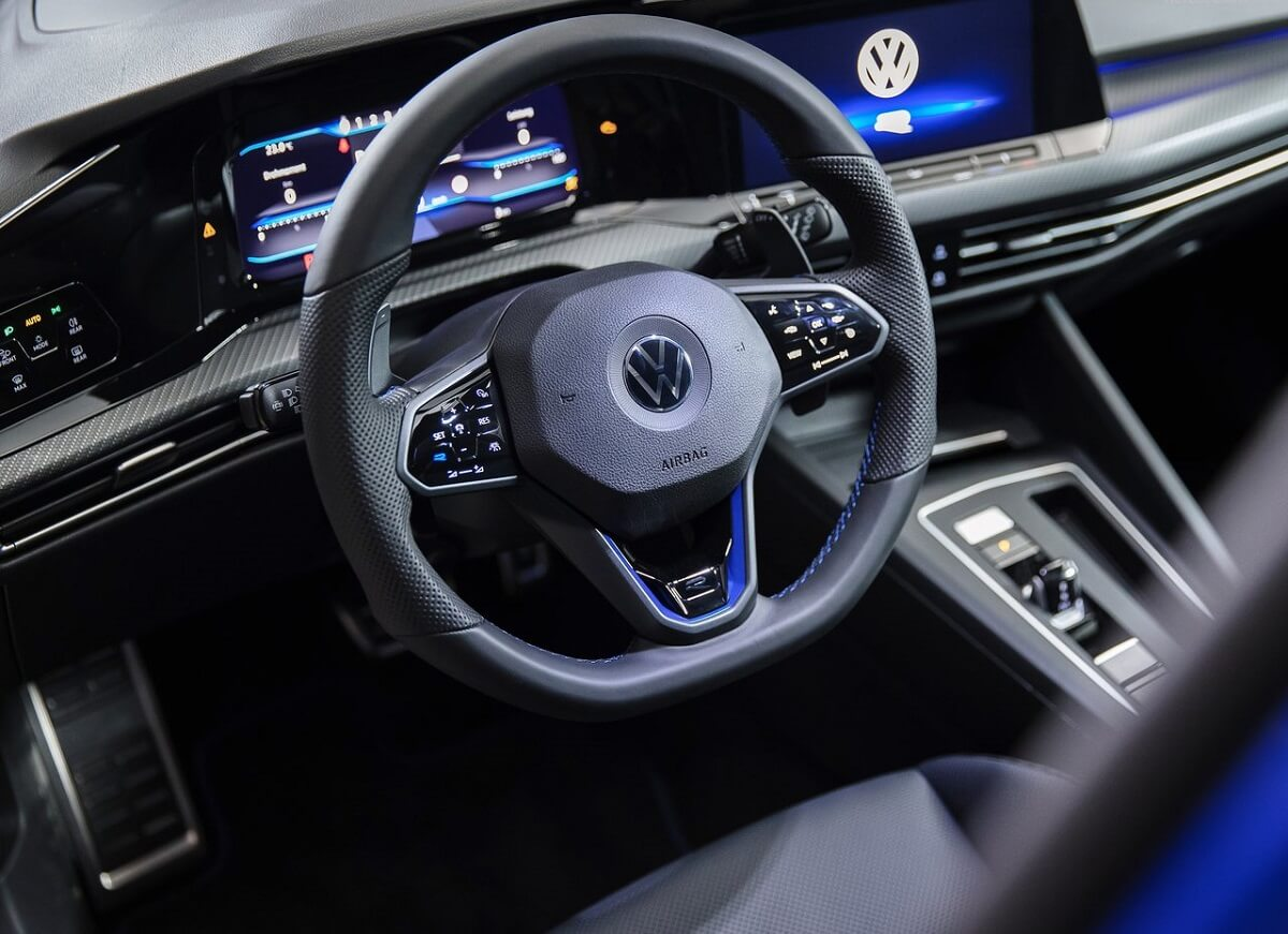 Volkswagen-Golf_R-2022-8.jpg