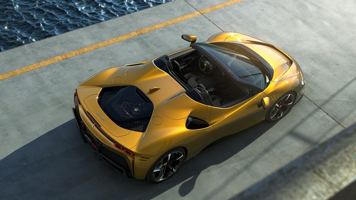 06_SF90_Spider_3-4_rear_top.jpg