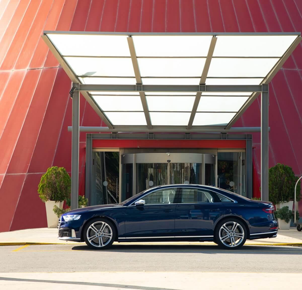 Audi S8_1.jpg