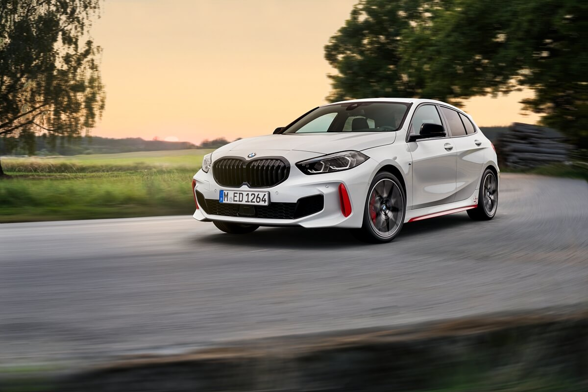 P90402184_highRes_the-all-new-bmw-128t.jpg