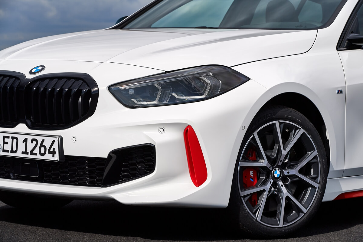 P90402200_highRes_the-all-new-bmw-128t.jpg