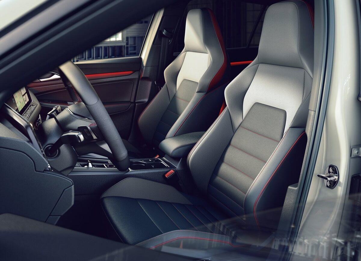 Volkswagen-Golf_GTI_Clubsport-2021-5.jpg