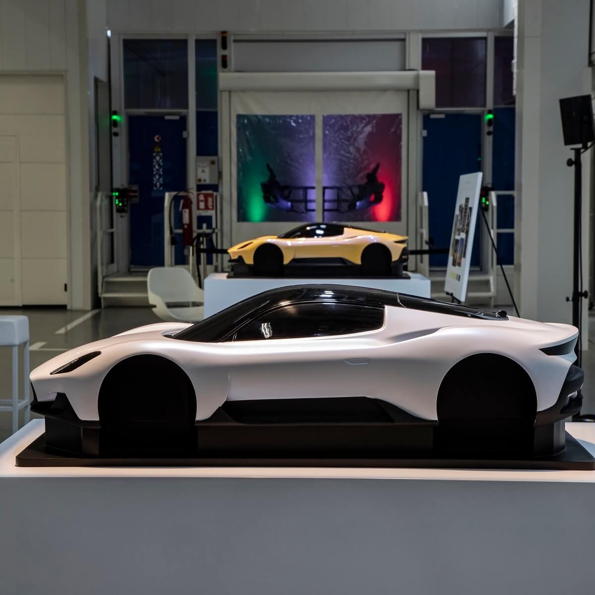 02_MaseratiPaintingShop.jpg