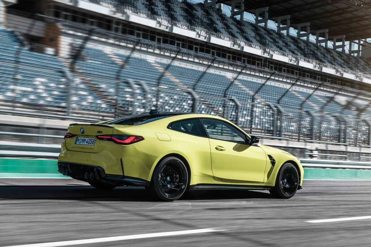 P90399242_highRes_the-new-bmw-m4-compe.jpg