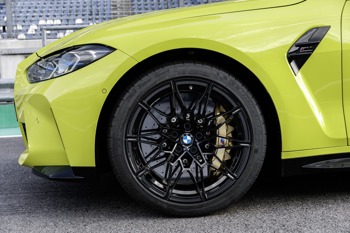 P90399259_highRes_the-new-bmw-m4-compe.jpg
