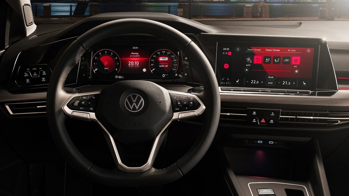 Volkswagen-Golf-2020-13.jpg