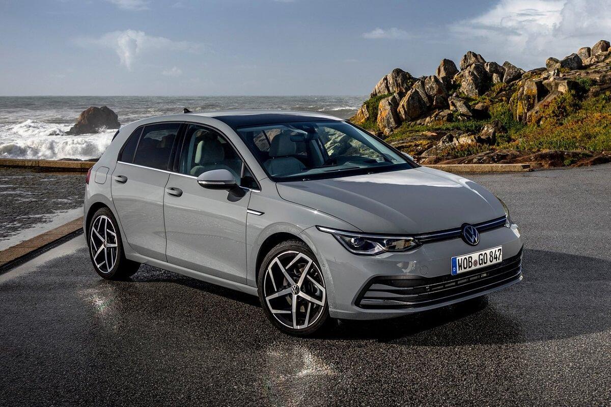 Volkswagen-Golf-2020-2.jpg