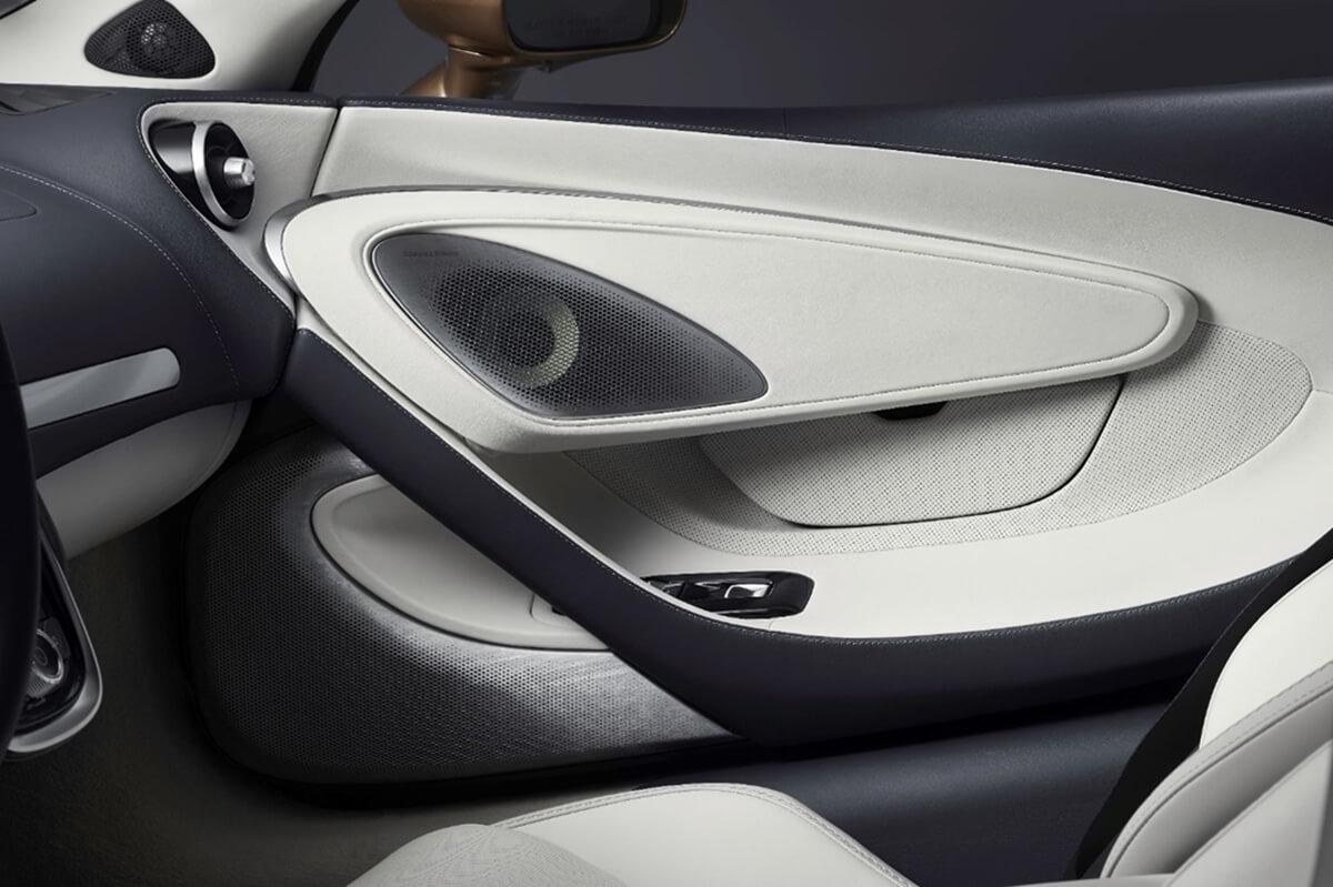 McLaren-GT_audio-system-door.jpg