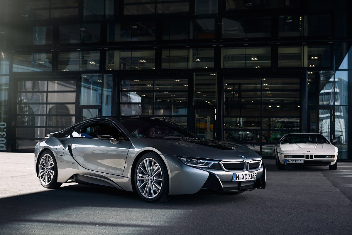 P90385439_highRes_the-bmw-i8-from-visi.jpg