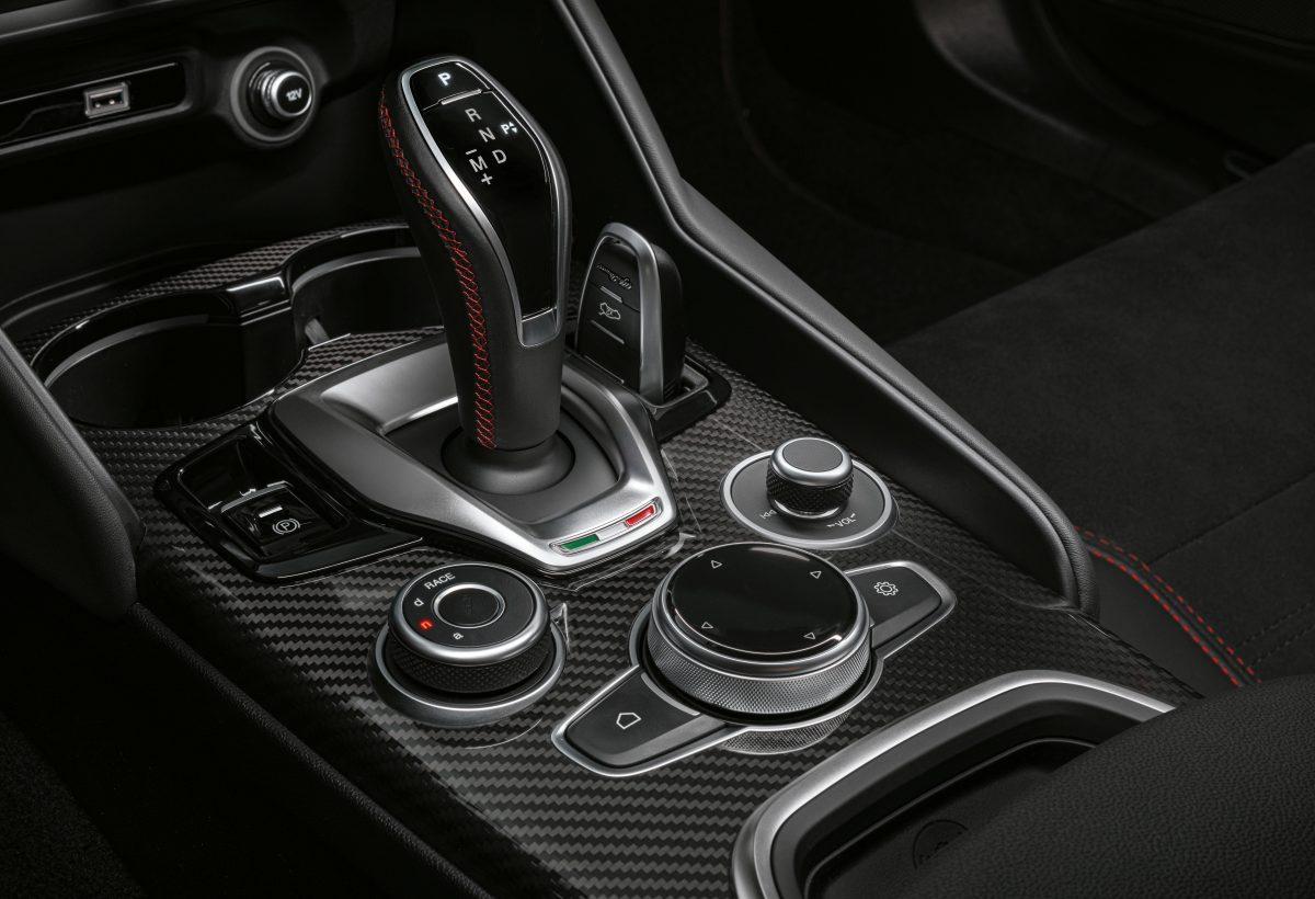 2020-Alfa-Romeo-Giulia-and-Stelvio-Quadrifoglio-8-1-1200x820.jpg