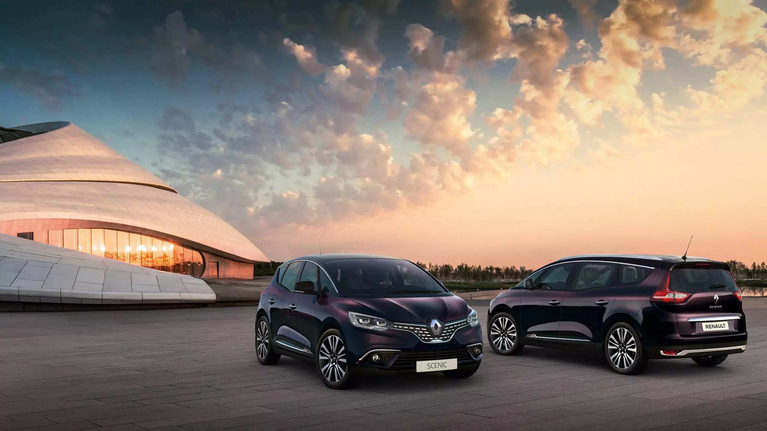 renault-scenic4-ph1-exterior-lifestyle-004.jpg.ximg.largex2.png