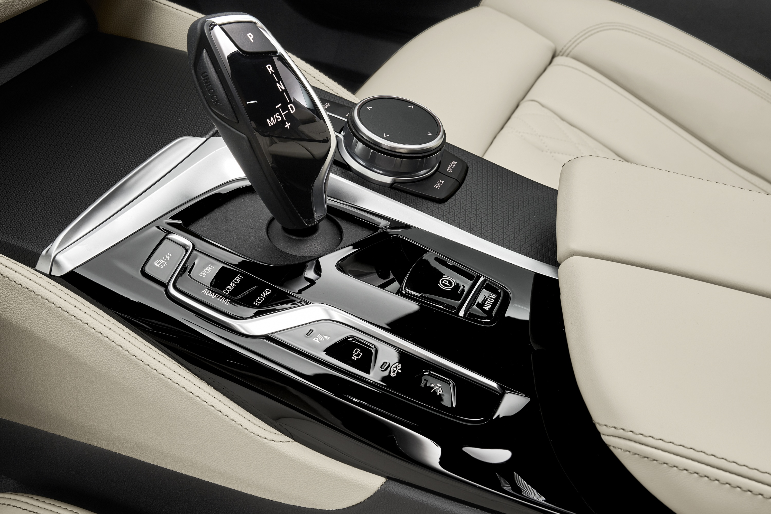 P90389883_highRes_the-new-bmw-640i-xdr.jpg