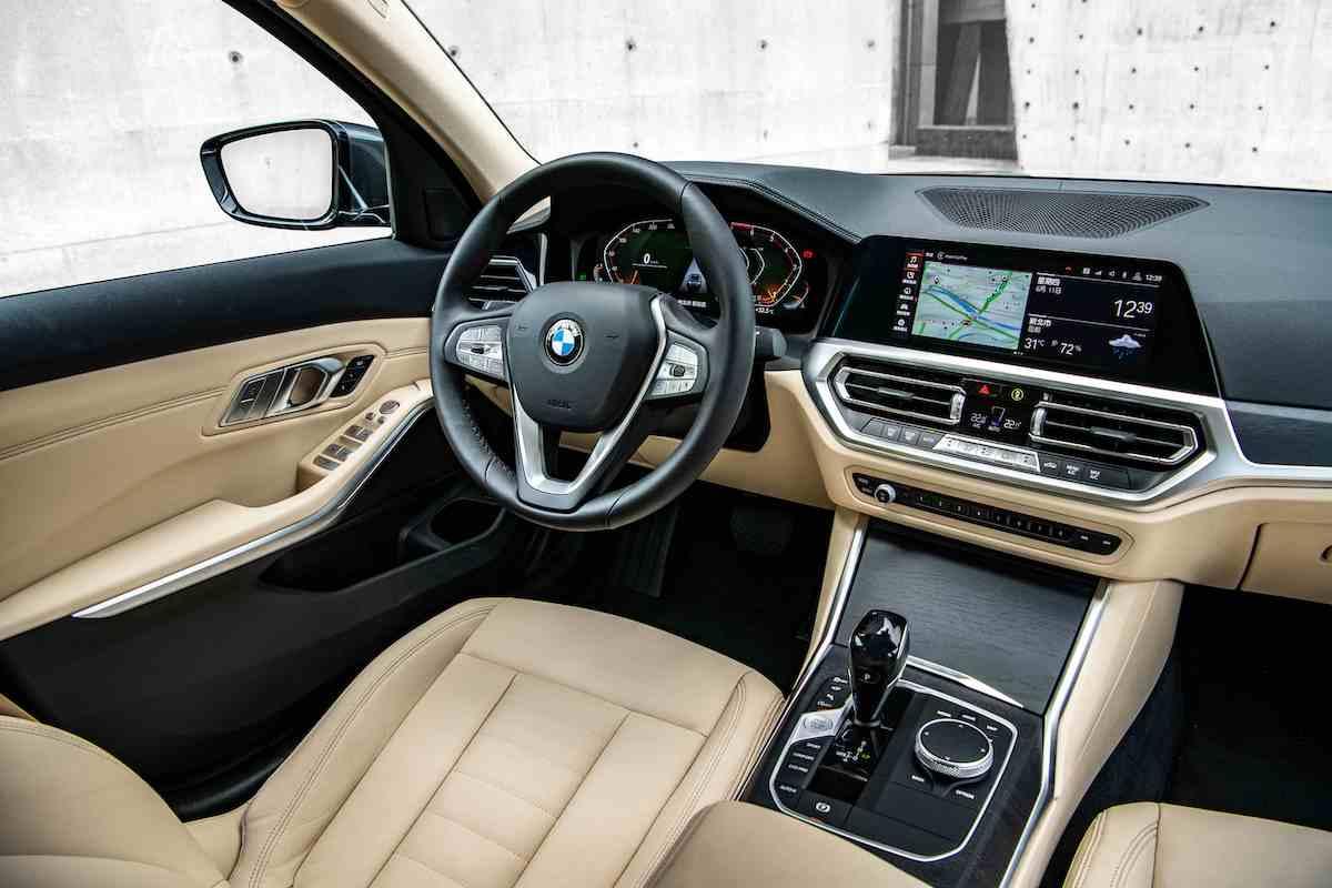 BMW3.jpg