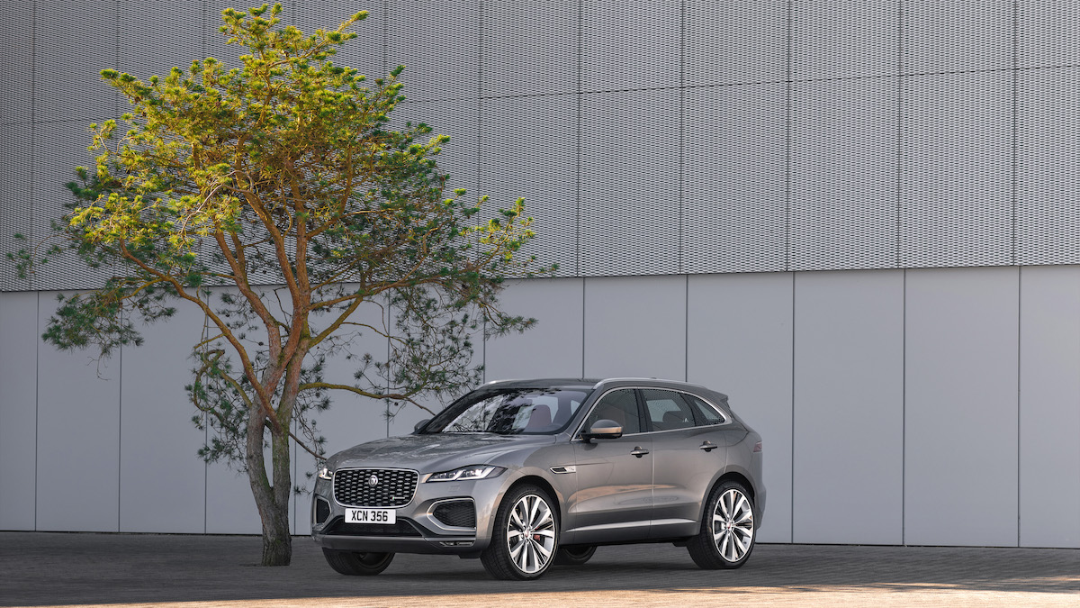 Jag_F-PACE_21MY_Location_Static_10_Front_3qtr_150920.jpg
