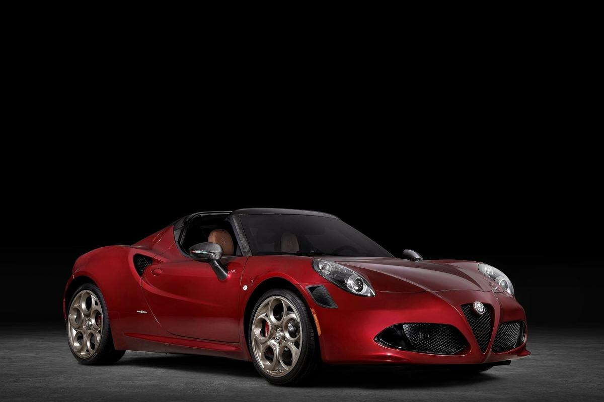 Alfa_Romeo-4C_Spider_33_Stradale_Tributo-2020-1600-03.jpg