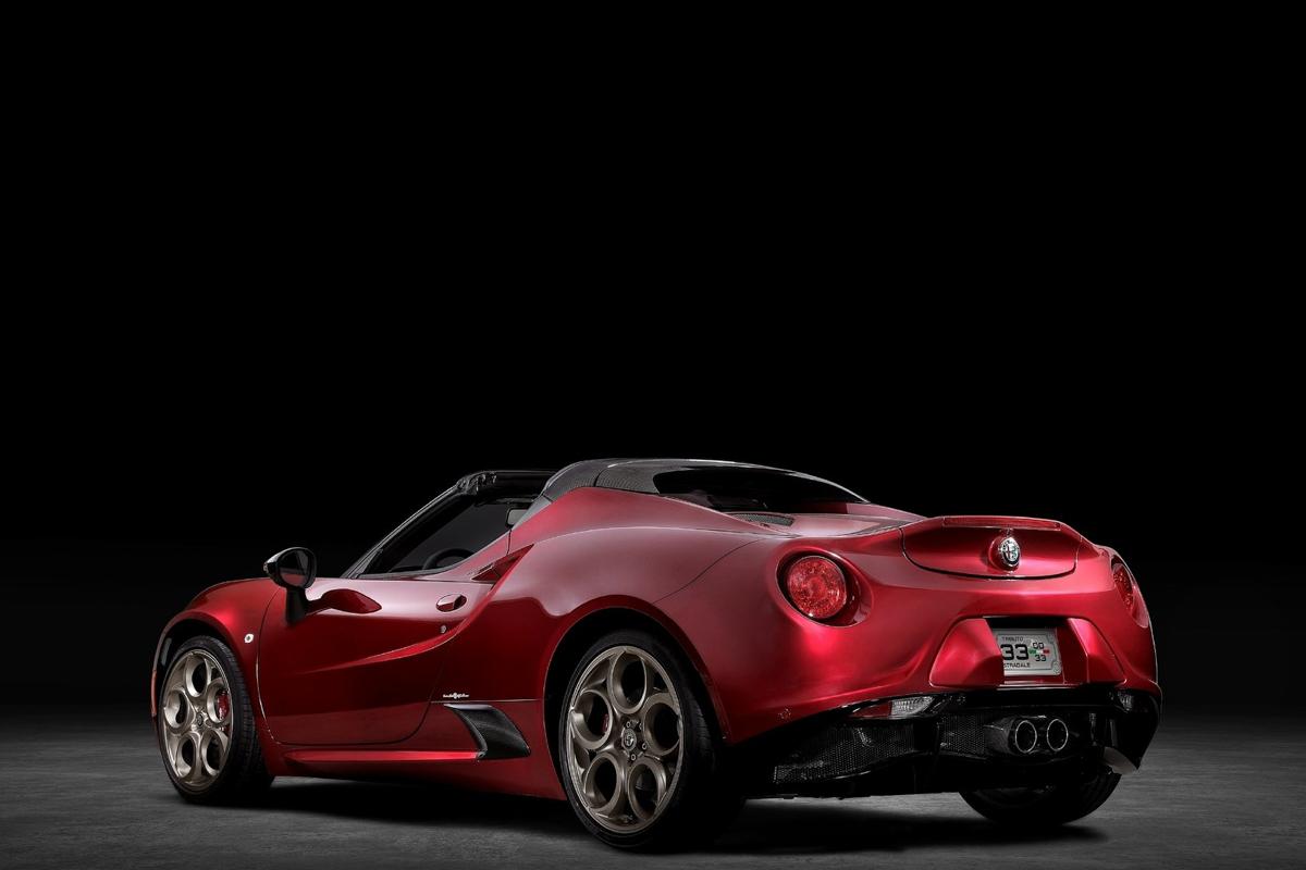 Alfa_Romeo-4C_Spider_33_Stradale_Tributo-2020-1600-0b.jpg