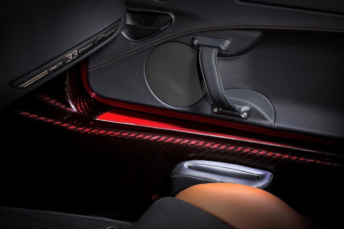 Alfa_Romeo-4C_Spider_33_Stradale_Tributo-2020-1600-16.jpg