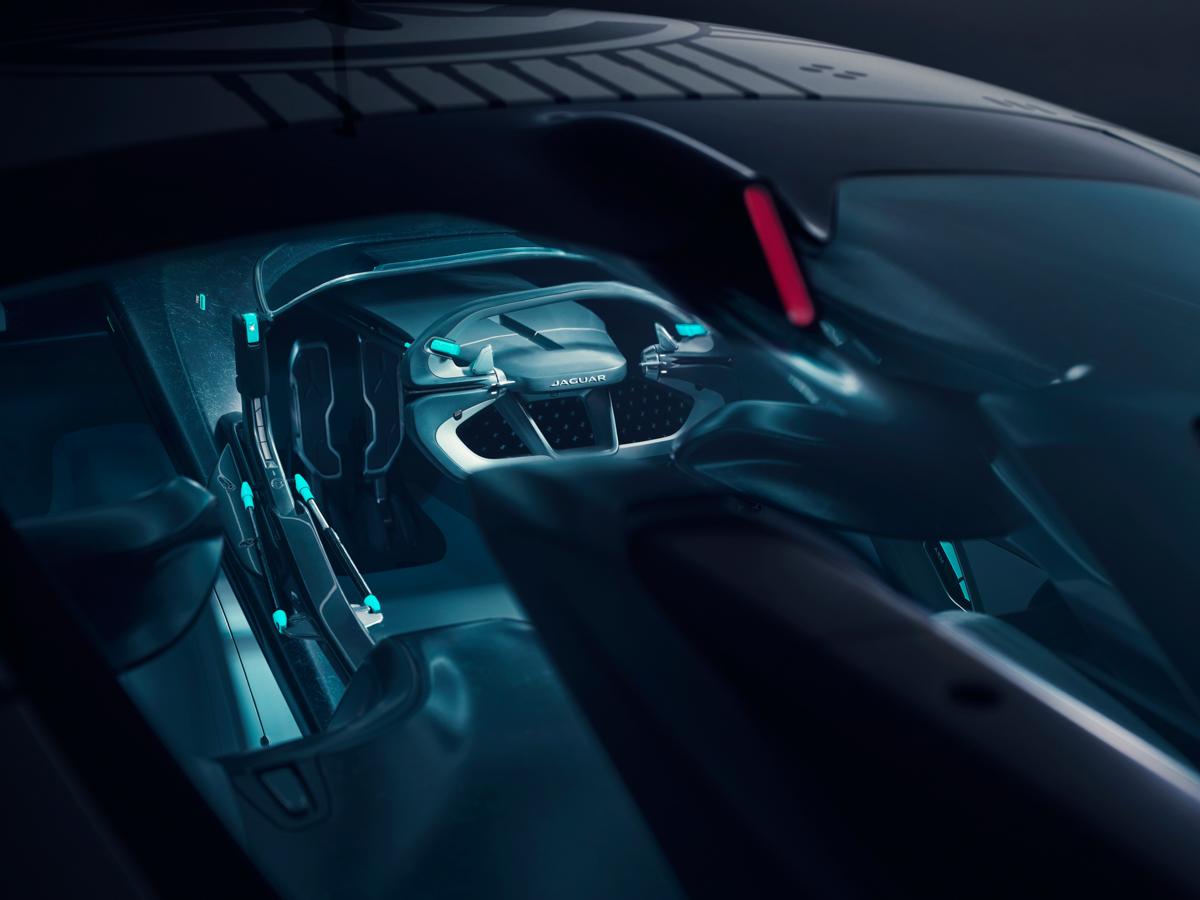 0Jag_GTSV_Interior cockpit_161220.jpg
