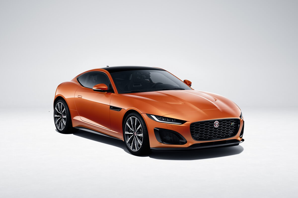 Jag_F-TYPE_22MY_R_Coupe_Exterior_120421_001.jpg
