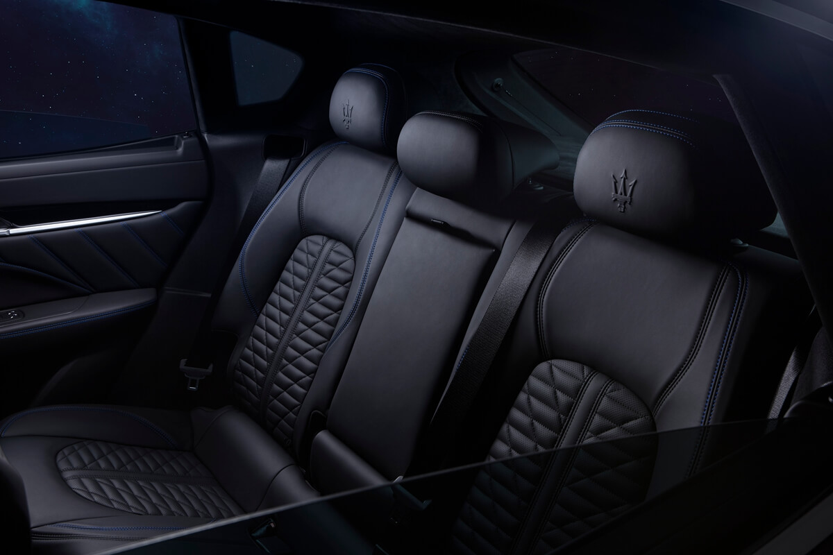 17914-MaseratiLevanteHybrid.jpg
