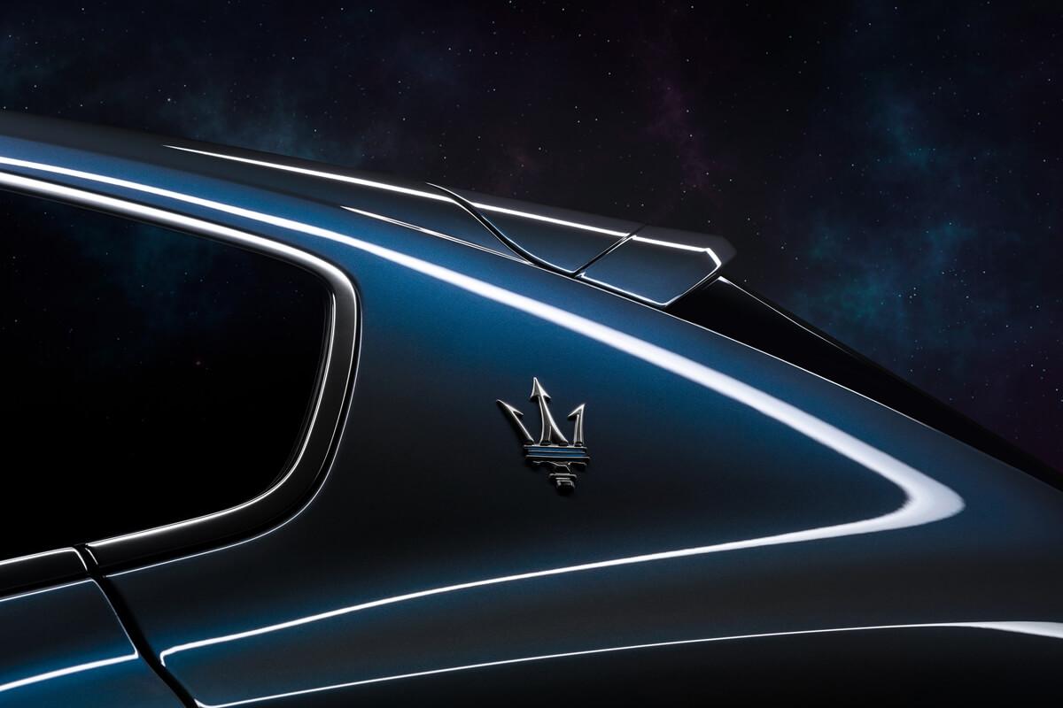 17923-MaseratiLevanteHybrid.jpg