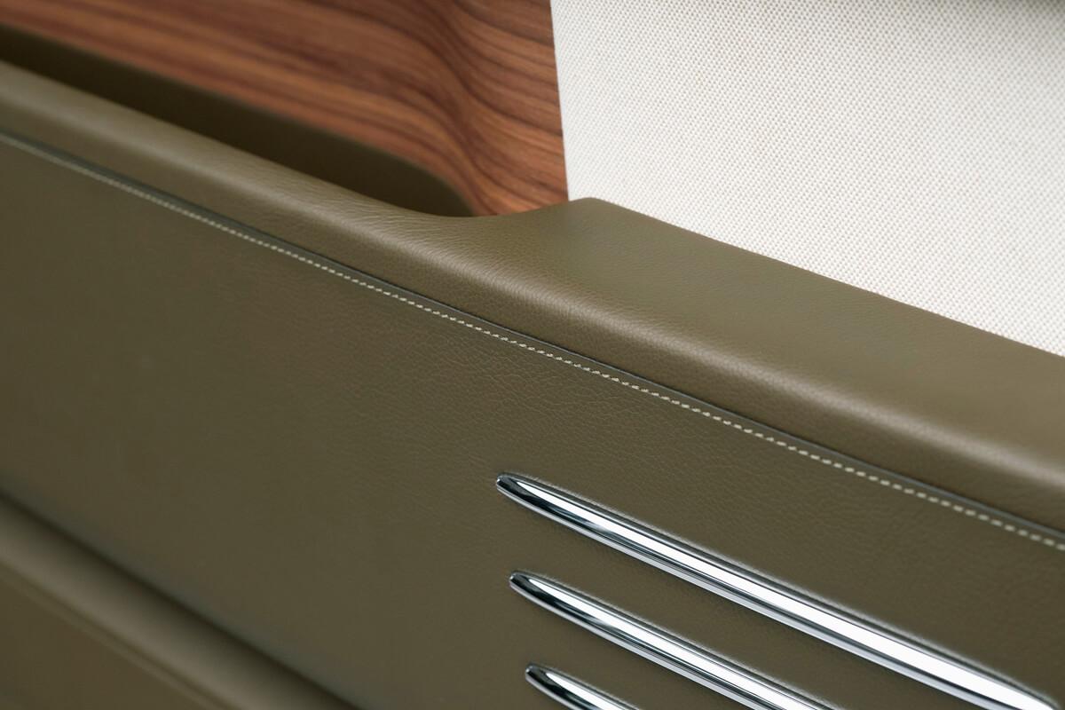 Rolls-RoycePhantomOribeincollaborationwithHerm_sdetail2.jpg