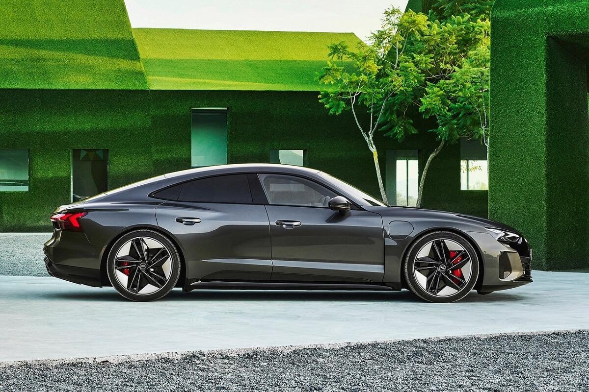 Audi-RS_e-tron_GT-2022-8.jpg