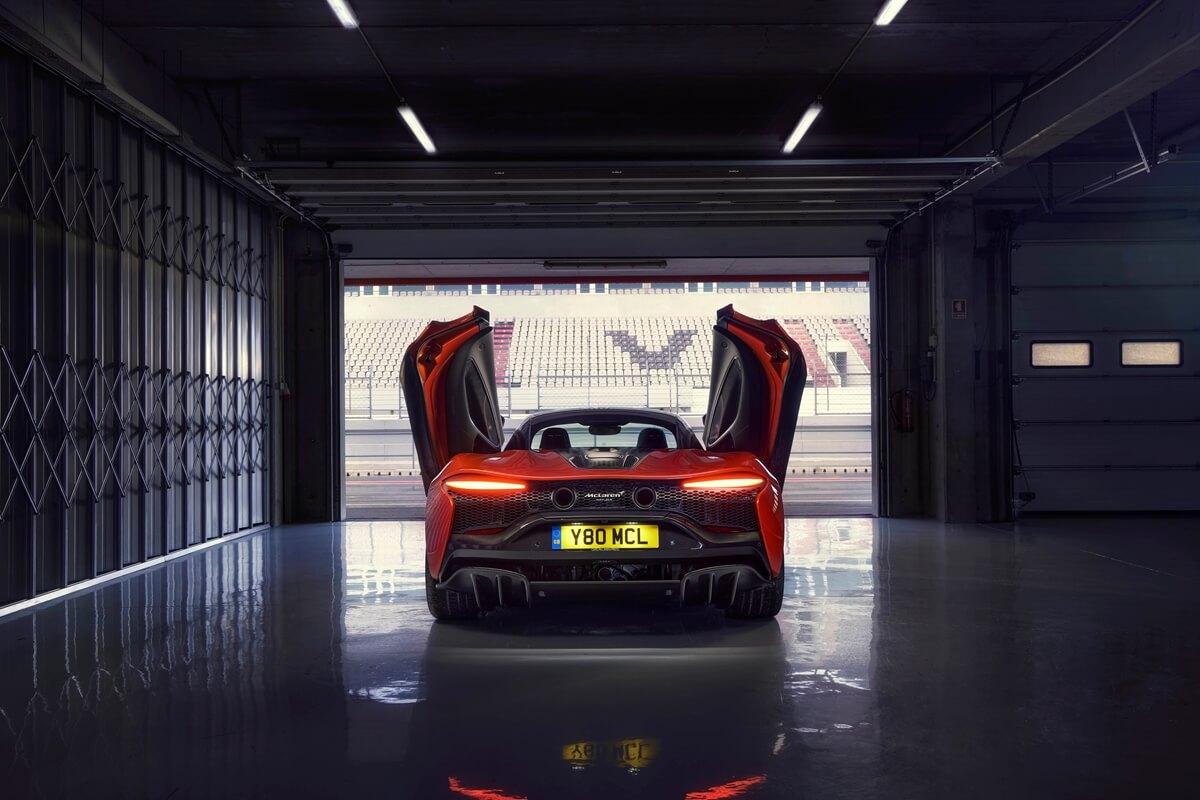 Large-12894-McLarenArtura.jpg