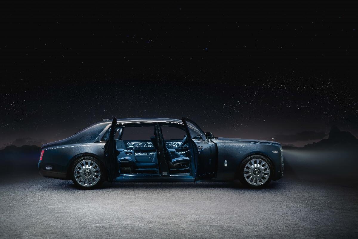 Rolls-RoyceTempusCollectionsidedoorsopen.jpg