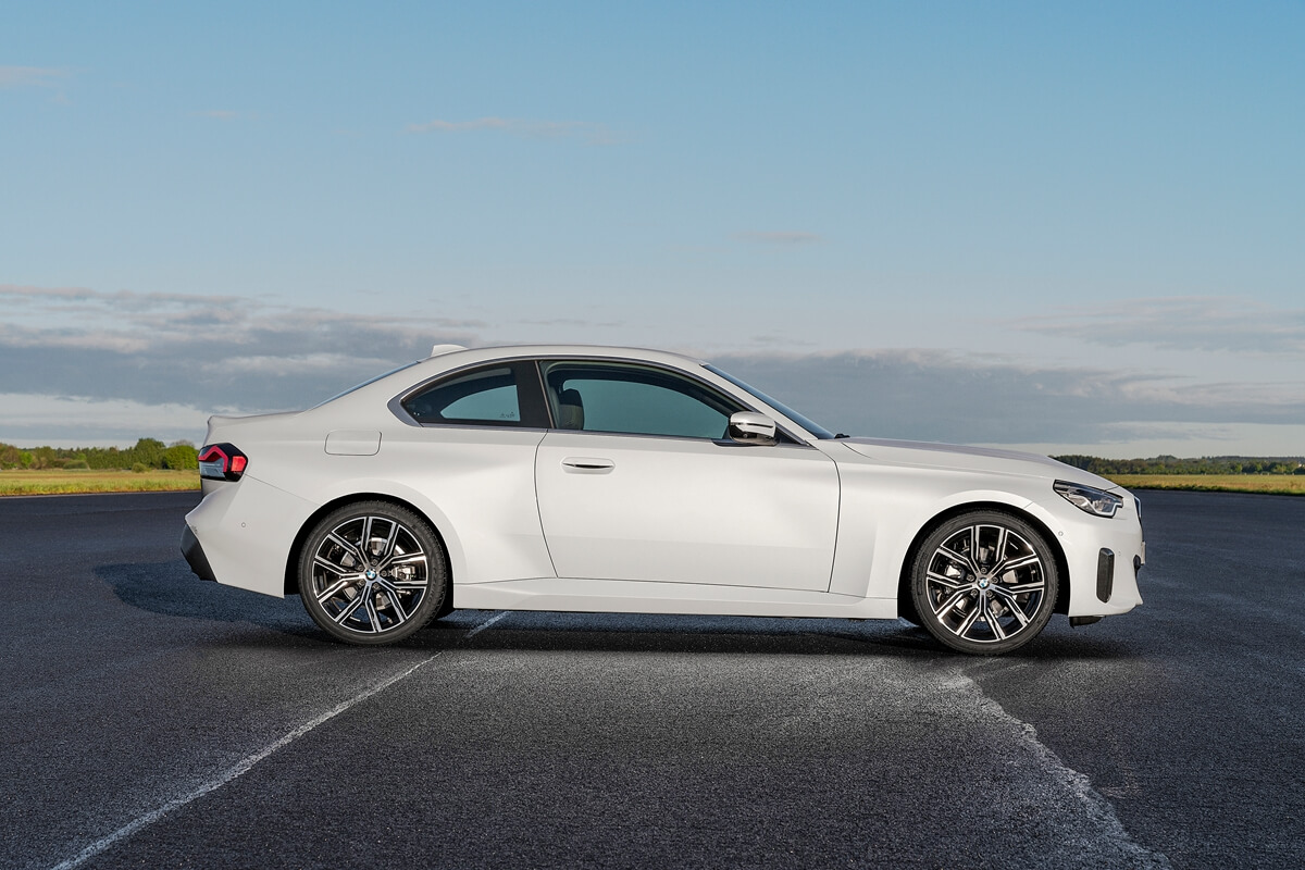 P90428415_highRes_the-all-new-bmw-220i.jpg