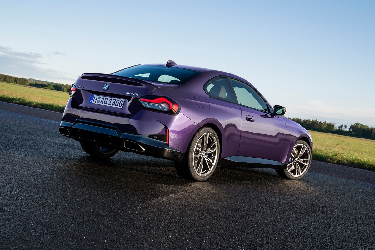 P90428473_highRes_the-all-new-bmw-m240.jpg