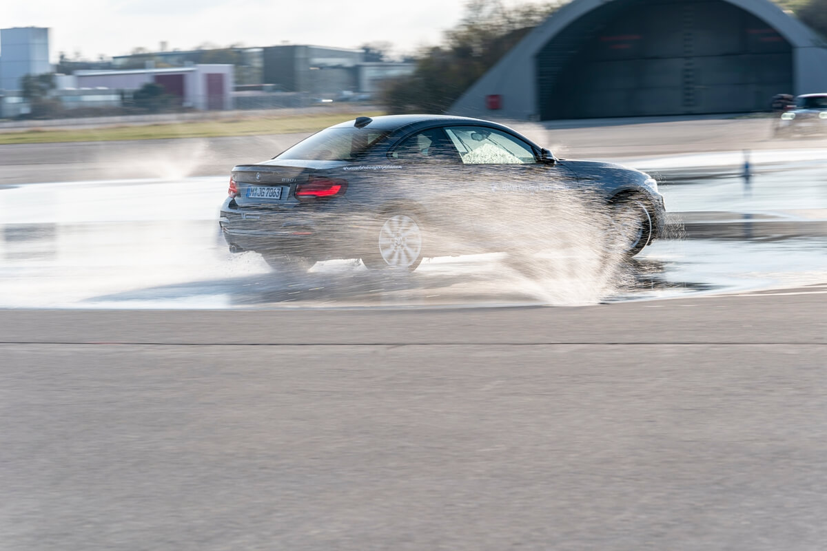 P90420871_highRes_driving-experience-f.jpg