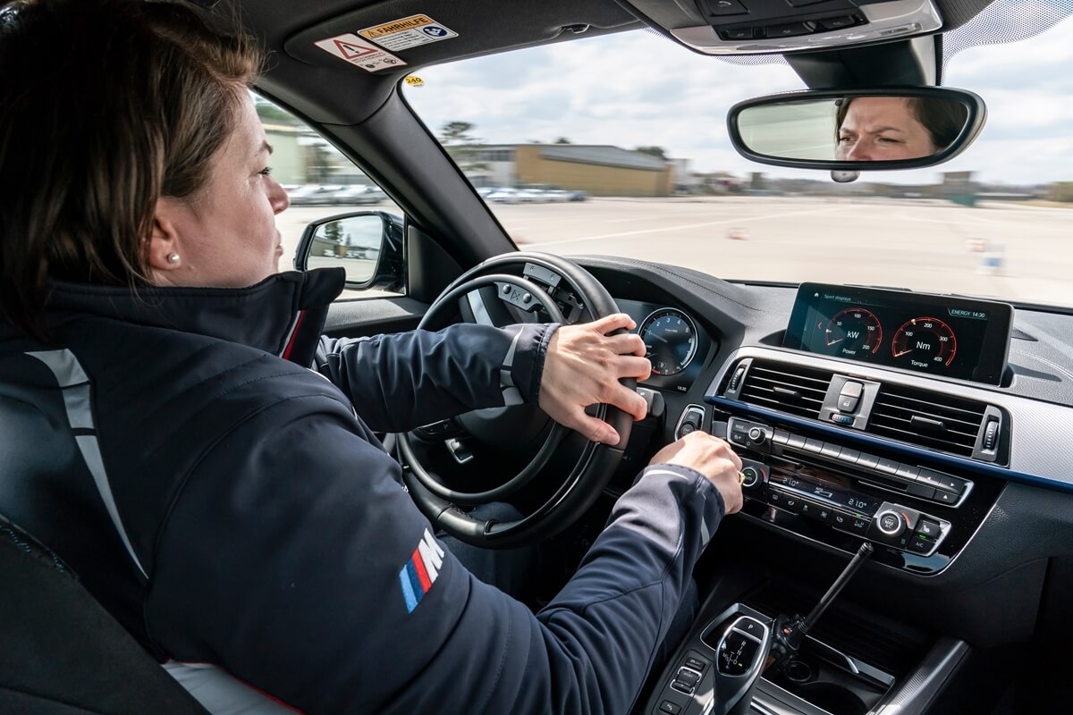 P90420925_highRes_driving-experience-f.jpg