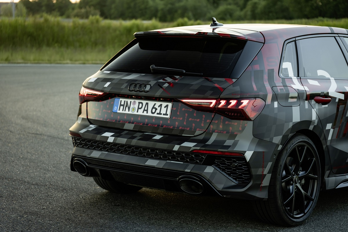 AudiRS3SneakPreview018.jpg