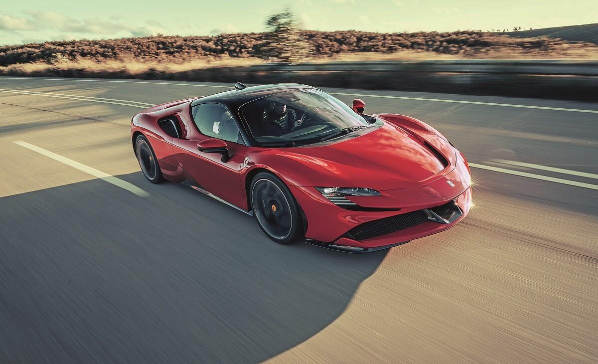 SF90_Stradale_Ferrari_SpA_3.JPG