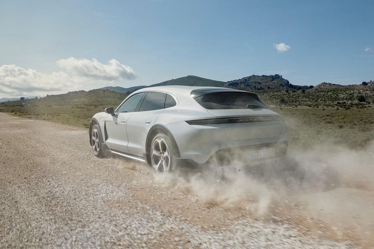 Porsche-Taycan_4S_Cross_Turismo-2022-1.jpg