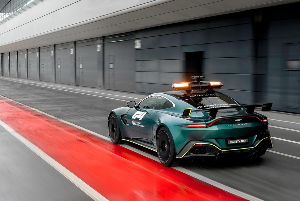 Aston Martin VantageOfficial Safety Car of Formula One02.jpg