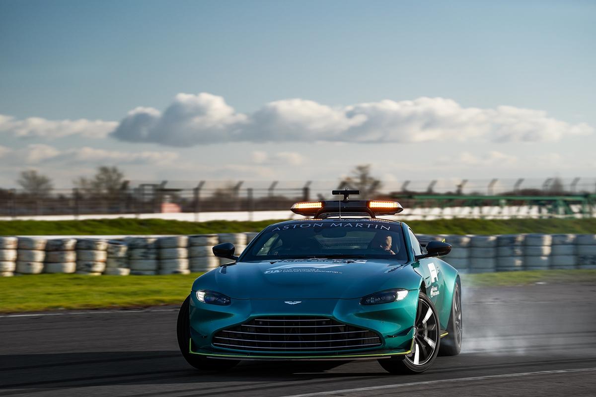 Aston Martin VantageOfficial Safety Car of Formula One03.jpg