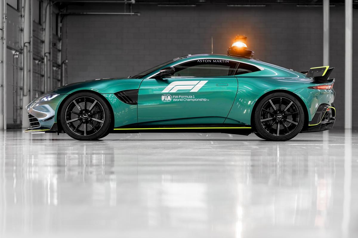 Aston Martin VantageOfficial Safety Car of Formula One08.jpg