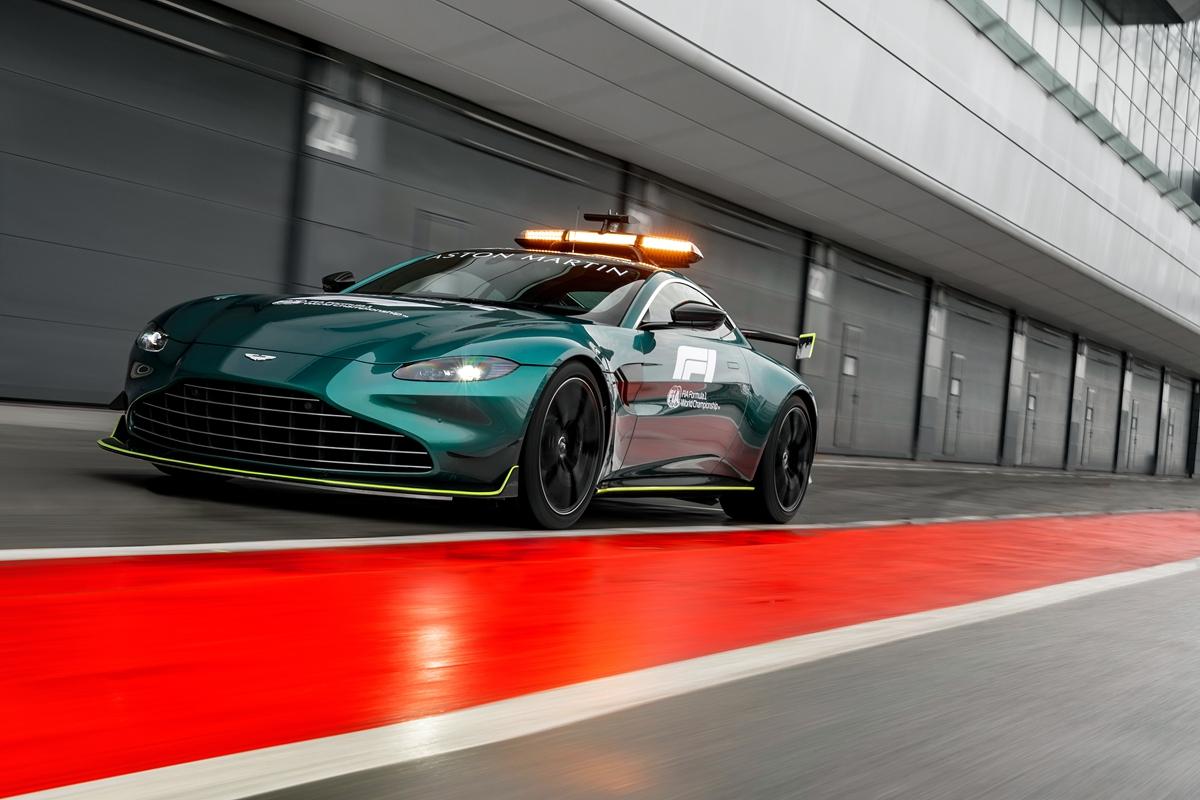 Aston Martin VantageOfficial Safety Car of Formula One15.jpg