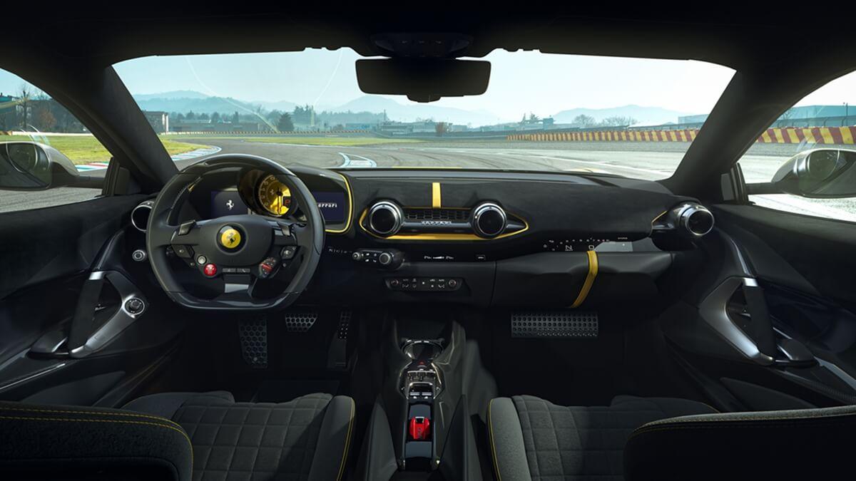 Ferrari_812_Competizione_3.jpg
