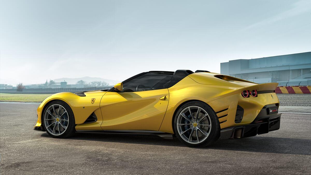 Ferrari_812_Competizione_A_2.jpg